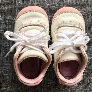 Baby girl Stride Rite white/pink sneaker Size 5M
